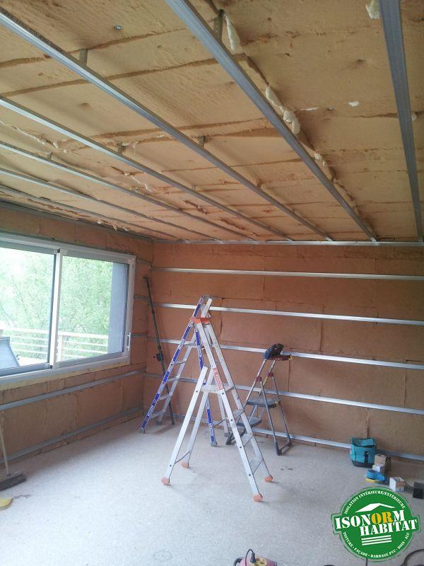 Isolation des murs et du plafond en fibre de bois