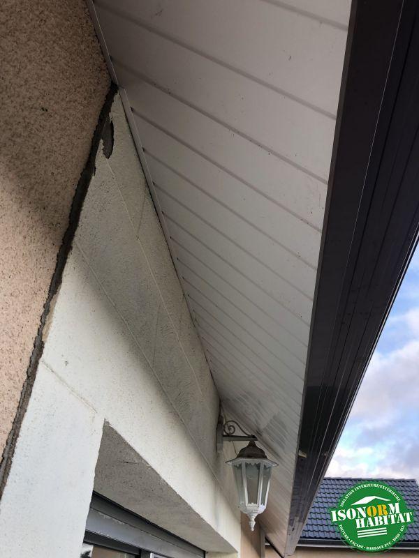 Détails des sous faces en PVC blanc