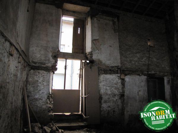 façade entrée pendant travaux côté intérieur