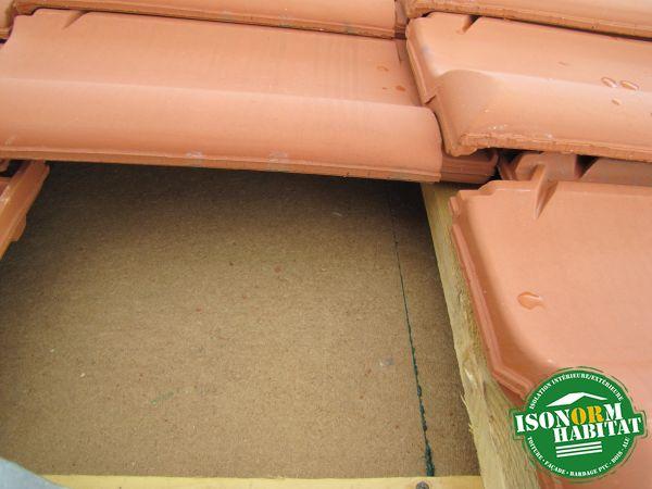 Tuile sur contre lattage et lattage sur panneau de fibre de bois rigide