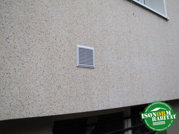 Ventilation naturelle de la maison ressortie devant le bardage