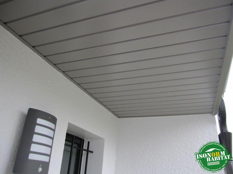 Habillage des sous faces du porche d'entrée en aluminium laqué
